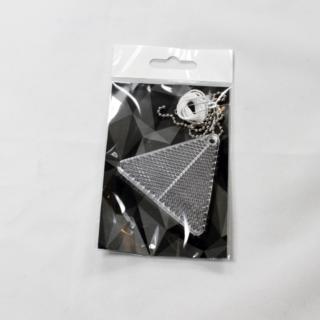 Läbipaistev kolmnurk plastikhelkur