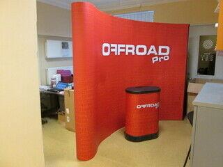 Mainosseinä ja -pöytä Offroad Pro