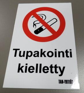 Varoitustarra Tupakointi kielletty